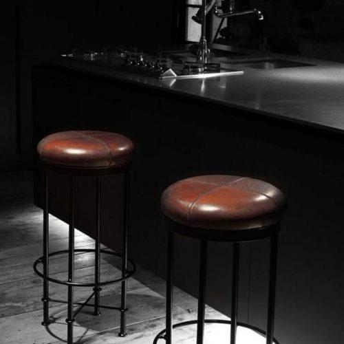 Devina Nais Pub